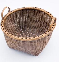 Reed-1. #818- Low apple basket with or without oak runners