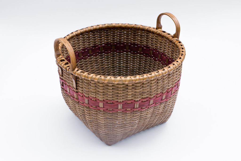 """Reed-5. #822– 14"""" apple basket with ear handles, with or without oak runners"""