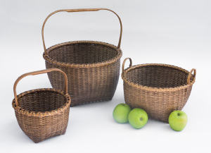 """Reed-10. #861– Nesting set with bonnet handles (8"""", 10"""" and 12"""")"""