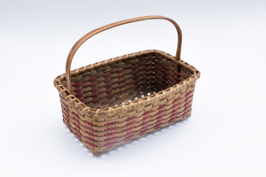 Reed-4. #821– small market basket with long oak handle and runners