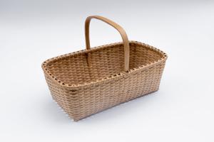 Shaker-2. #806– Market basket with bonnet handle