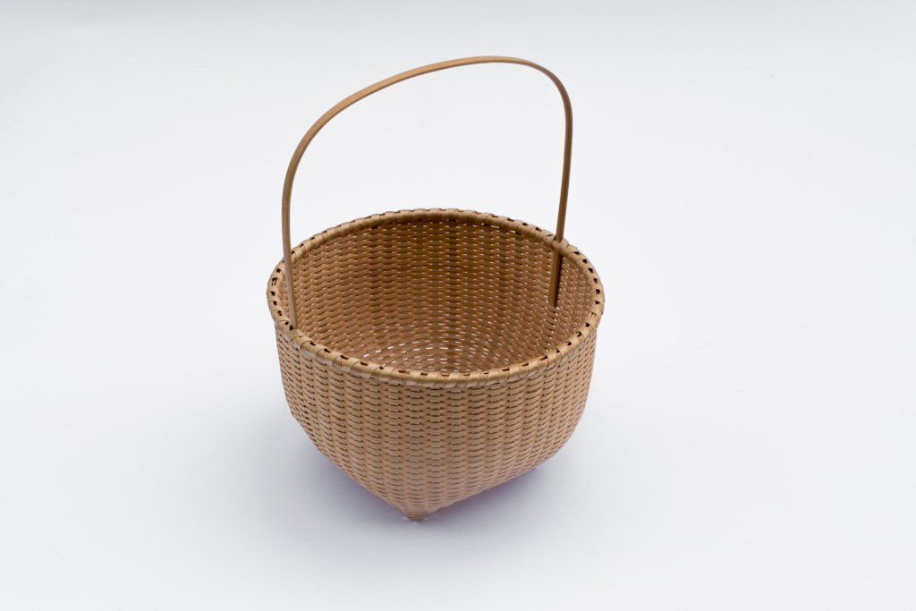 "Shaker-4. #810– Cathead basket (4"" – 9"" diameters available) with bonnet handle"